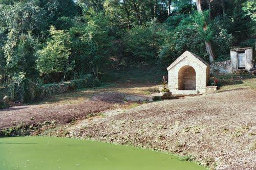 Fontaine  du matelot du hameau de Montormentier